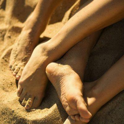KUJDES! Njihuni me rregullin numër 1 kur bëni seks në plazh