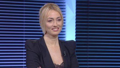 """""""ASNJËHERË NUK E SYNOVA FAMËN""""/ Evi Reçi bën deklaratën e papritur"""