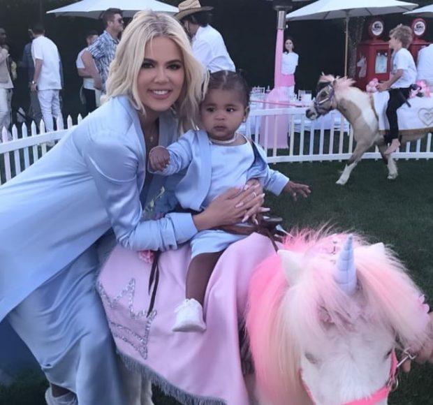 PËRBALLAJA E SIKLETSHME  NDODHI/ Khloe Kardashian ftoi ish-in në ditëlindjen e vajzës