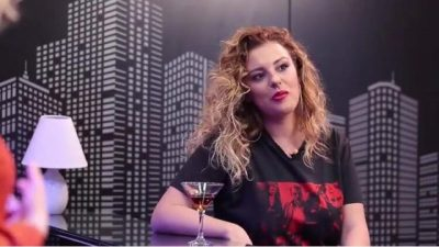 """""""KAM AQ SHUMË LEK SA NUK DI SA TI HARXHOJ""""/ Anxhela Peristeri qan hallet live"""