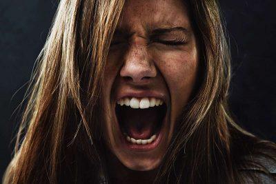 NJË JETË E SHPËTUAR/ Veprimet që duhet të bëjmë të gjithë kur dikush vuan nga depresioni