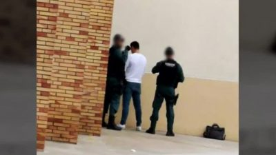 I DASHURI ZHDUK TË DASHURËN 20 VJEÇARE? Arrestohen tre persona
