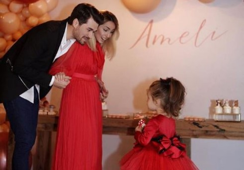 AMELI PËRGATIT NJË DHURATË PËR ALBANIN/ Miriami e entuziasmuar publikon foton: Princi i saj…