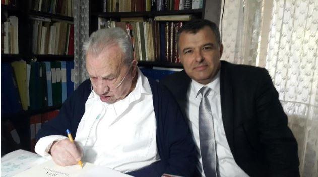 RRËFIMI I TË BIRIT/ Pengu i historianit Kristo Frashëri, ka ende thesare që presin dritën e botimit