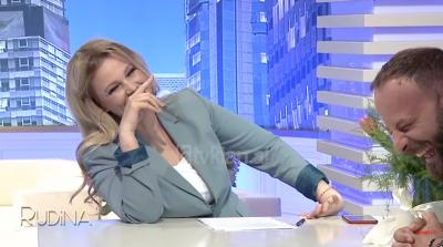 """""""NA KAPI BUDALLIKU""""/ Rudina Magjistari nuk ndalon dot së qeshuri në emision (VIDEO)"""