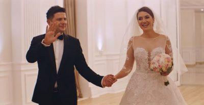 """NUK DUHET HUMBUR/ Momenti kur Elvana zgjedh fustanin e nusërisë në """"2 gisht mjaltë"""""""