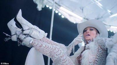 RIKTHEHET FUQISHËM/ Jennifer Lopez i tregoi të gjitha në klipin e ri ku shfaqet pa të brendshme (VIDEO)