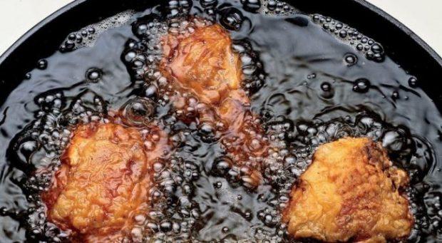 STUDIMI/ Ja përse asnjëherë nuk duhet ta ri-përdorni vajin për gatim