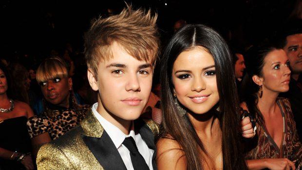 NA HABITI/ Fansat i publikojnë një foto intime me Selena-n, Justin Bieber reagon menjëherë