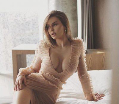 """HOROSKOPI DHE VIPAT/ Kejvina Kthjella, një """"Binjak"""" SEXY që nuk mund të mos e doni (FOTO)"""