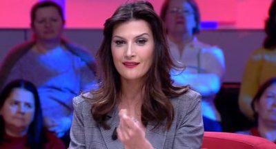 """""""MË MORI KËNGËN""""/ Artisti shqiptar akuzon publikisht Mariza Ikonomin (VIDEO)"""