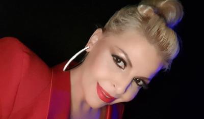 """""""DO MBETEM FANSJA JOTE""""/ Aurela Gaçe urim special për divën e muzikës shqiptare"""
