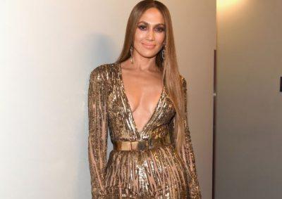 DALIN PAMJET E FILMIT ME STRIPTISTE/ Jennifer Lopez, e hatashme me fustanin e çarë deri në pjesën intime