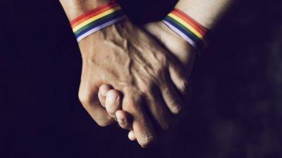 E PAZAKONTË/ Ky shtet po urdhëron vrasjen me gurë të homoseksualëve