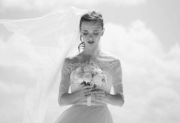 """VAJZA E """"DISKRETITON"""" KEQ DHËNDRIN/ Zbulon tradhtinë e tij një ditë para martesës"""