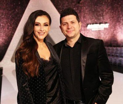 HOROSKOPI DHE VIP-AT/ Ami dhe Ermali, dy PESHQ që përputhen plotësisht me njëri-tjetrin (FOTO)