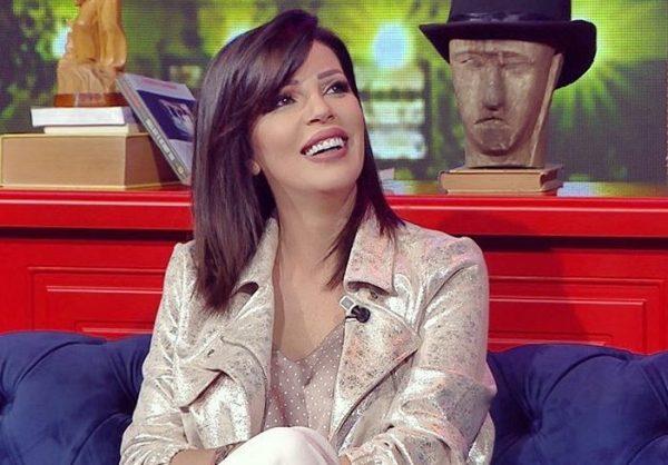 BISEDA TË VOGLA ME TË BIJËN/ Sonila Meço zbulon lezetin e pasdites së saj (FOTO)