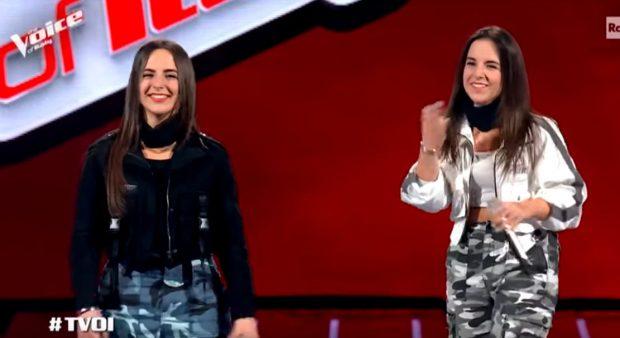 """MAHNITËN JURINË E """"THE VOICE OF ITALY""""/ Binjaket shqiptare tregojnë pse zgjodhën të këndojnë shqip"""