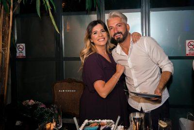 """""""PËR GRUAN E JETËS SIME!"""" Moderatori shqiptar na emocionoi me dedikimin që i bëri bashkëshortes për ditëlindje"""