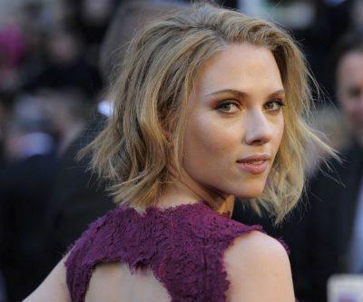 PAPARACËT E NDJEKIN PËR NJË FOTO/  Scarlett Johansson tregon incidentin e frikshëm