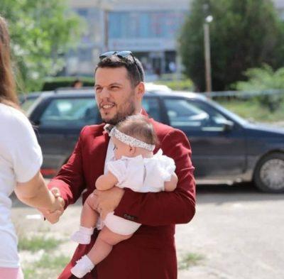 E BIJA FESTON 1 VJETORIN/ Valdrin Sahiti publikon videon dhe fjalët më të ëmbla për të