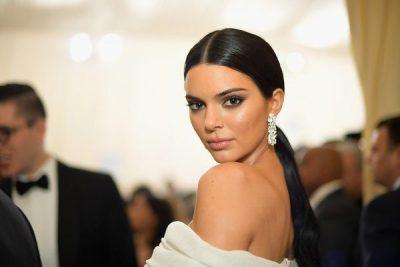 """""""ËSHTË RREZIK""""/ Kendall Jenner flet për herë të parë mbi mashtrimin e festivalit """"FYRE"""""""