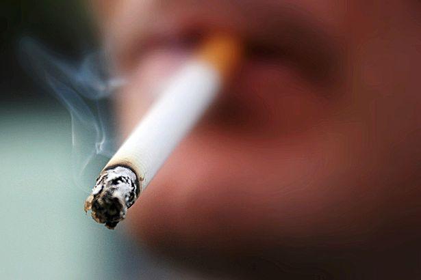 E THONË STUDIUESIT/ Konsumi i duhanit mund t'ua tkurrë madhësinë e penisit