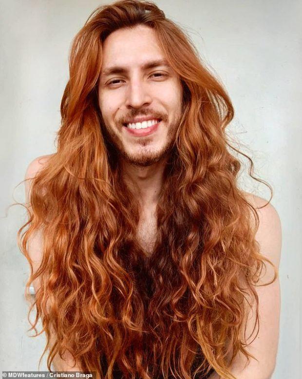 """KA 7 VITE QË I RRIT FLOKËT/ Flet """"Rapunzel"""" në versionin mashkull: Vajzat dhe djemtë më kanë zili për flokët"""