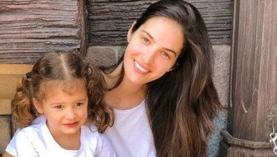 I NDODH ÇDO NËNE/ Emina Çunmulaj bën gabimin epik me vajzën e saj (FOTO)