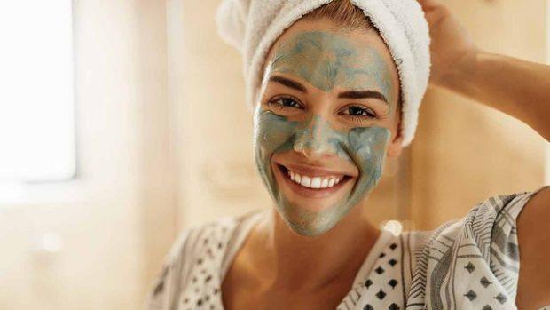 DO BEFASOHENI/ Aplikoni këtë maskë për 5 minuta dhe shihni ndryshimet që do keni
