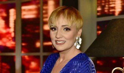 """""""VITET IKIN TUTJE""""/ Feston ditëlindjen, Ja sa mbush Juliana Pasha (FOTO)"""
