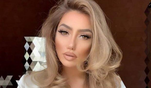 THYEN TABUNË/ Aktorja shqiptare masturbohet në mes të skenës (FOTO)
