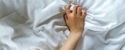 """VËMENDJE VAJZA/ Prodhuesi i """"lodrave të seksit"""" rekomandon të masturboni më shpesh"""