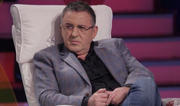 """""""U TRONDITA,NUK DI ÇFARË EMËR TI VENDOS""""/ Agron Llakaj revoltohet pas vdekjes së parodistit Muhamet Liko"""