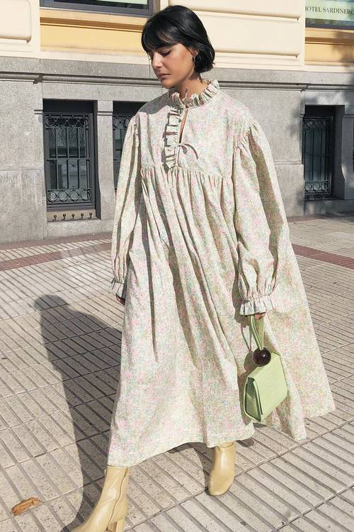 """DO I ADHURONI/ Disa kombinime """"cool"""" për femrat që i adhurojnë veshjet e gjera"""