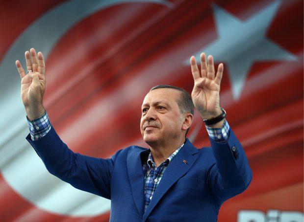 AKTORJA E NJOHUR TURKE MARTOHET SË SHPEJTI/ Presidenti Erdogan dëshmitari kryesor