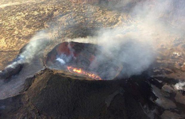 E PABESUESHME/ 32-vjeçari mbijeton pasi bie në vullkan