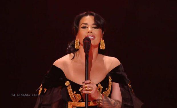 """""""PO QAJMË""""/ Faqja zyrtare e Eurovisionit çmendet pas Jonida Maliqit (FOTO+VIDEO)"""