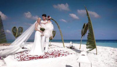 PAS DASMËS NË MALDIVE/ Miriami dhe Albani japin më në fund lajmin e bukur