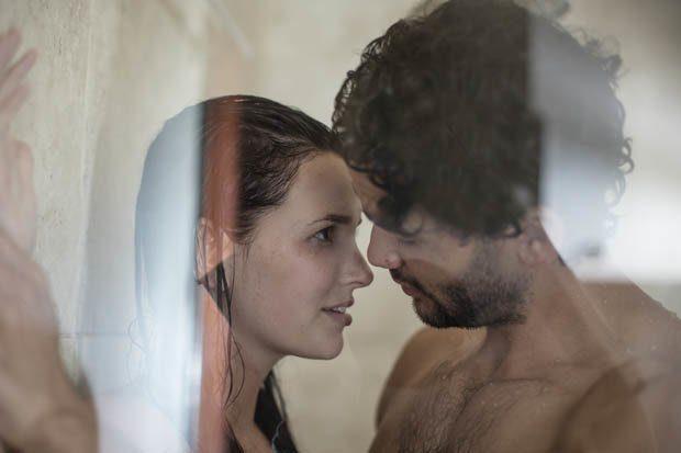 DO T'A ADHURONI/ Ky është pozicioni seksual që të gjitha çiftet duhet ta provojnë në dush