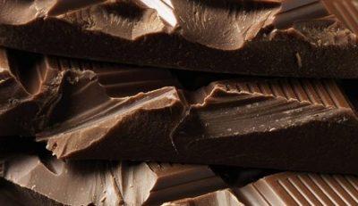 STUDIMI/ Ja përse shkencëtarët po rekomandojnë të hani çokollatë çdo ditë