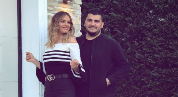 """""""JAM NJERIU MË ME FAT""""/ Ermal Fejzullahu shpreh dashurinë ndaj bashkëshortes në ditën e veçantë"""