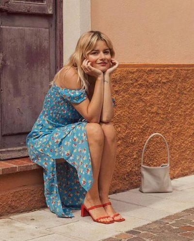 """PO BËJNË """"NAMIN""""/ Dy llojet e sandaleve të cilat aktualisht po pushtojnë Instagram-in"""