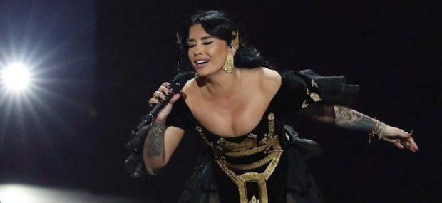 JONIDA MALIQI NË FINALE/ Këngëtarja ndez skenën dhe rënqeth publikun (VIDEO)
