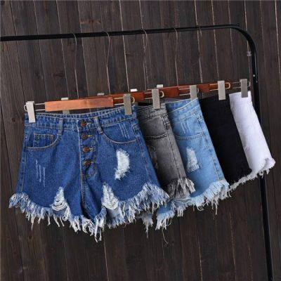 """NË PRAG TË VERËS/ Ju sugjerojmë trendet më të fundit të pantallonave që ju """"mbajnë larg vapën"""" (FOTO)"""