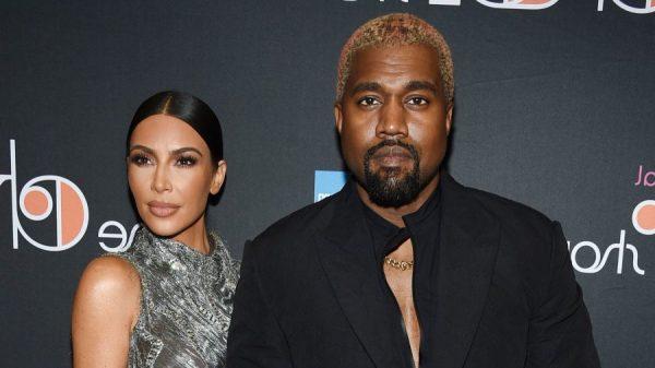 """""""JETA NUK MUND TË ISHTE MË MIRË SE KAQ""""/ Kim Kardashian feston 5-vjetorin e martesës"""