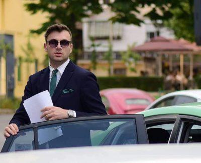 """""""KAM TRE VITE SINGLE""""/ Moderatori shqiptar flet për herë të parë për jetën private (FOTO)"""
