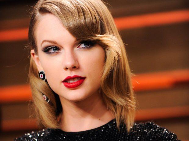 BASHKË DHE MJAFT TË DASHURUAR/ Taylor Swift fotografohet me aktorin në Paris