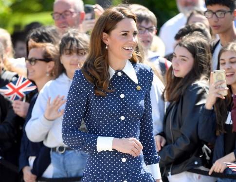 """""""DO SHUMË KOHË""""/ Kate Middleton zbulon detajet e rritjes së Princ Louis"""