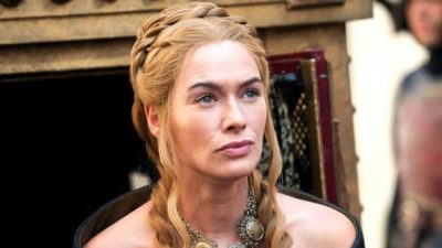 "ÇFARË FATI/ Moderatori shqiptar takon Cersein e ""Game of Thrones"" (FOTO)"